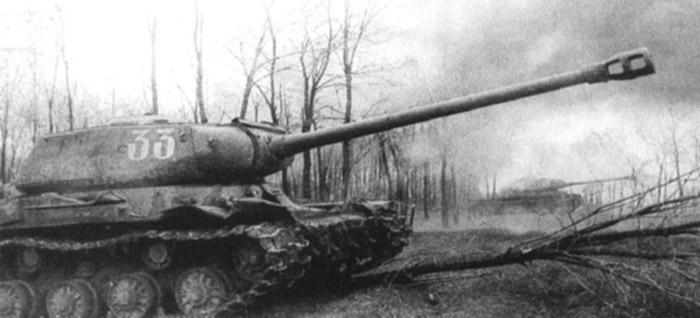 ИС2 в наступлении на БУДАПЕШТ декабрь 1944г