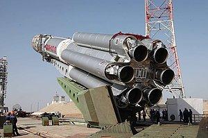 """Спутник """"Экспресс-АМ5"""" готовится к полету в космос"""