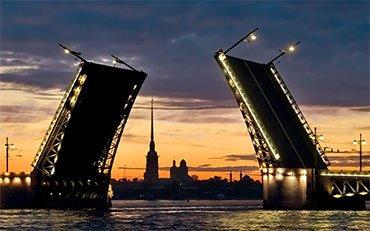 «Триколор ТВ» поддержал новый проект Санкт-Петербурга — звуковое шоу «Поющие мосты»
