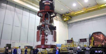 Модель первого спутника Земли станет талисманом экипажа пилотируемого корабля