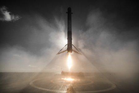 Ракета Falcon 9 с грузовиком Dragon состыковалась с МКС