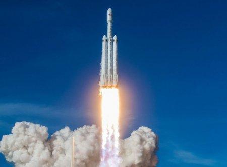 Falcon Heavy готова к запуску спутника Arabsat 6A