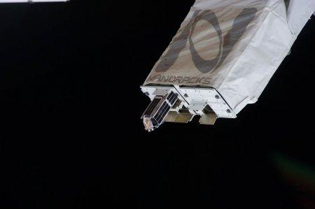 С борта МКС в космос вывели семь малых спутников
