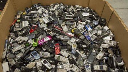В России открыли точки приёма старых телефонов для переработки