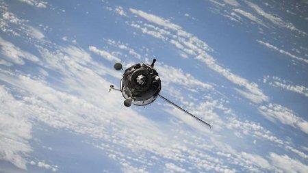 Малазийский спутник Measat-3 начал дрейфовать со своей орбиты